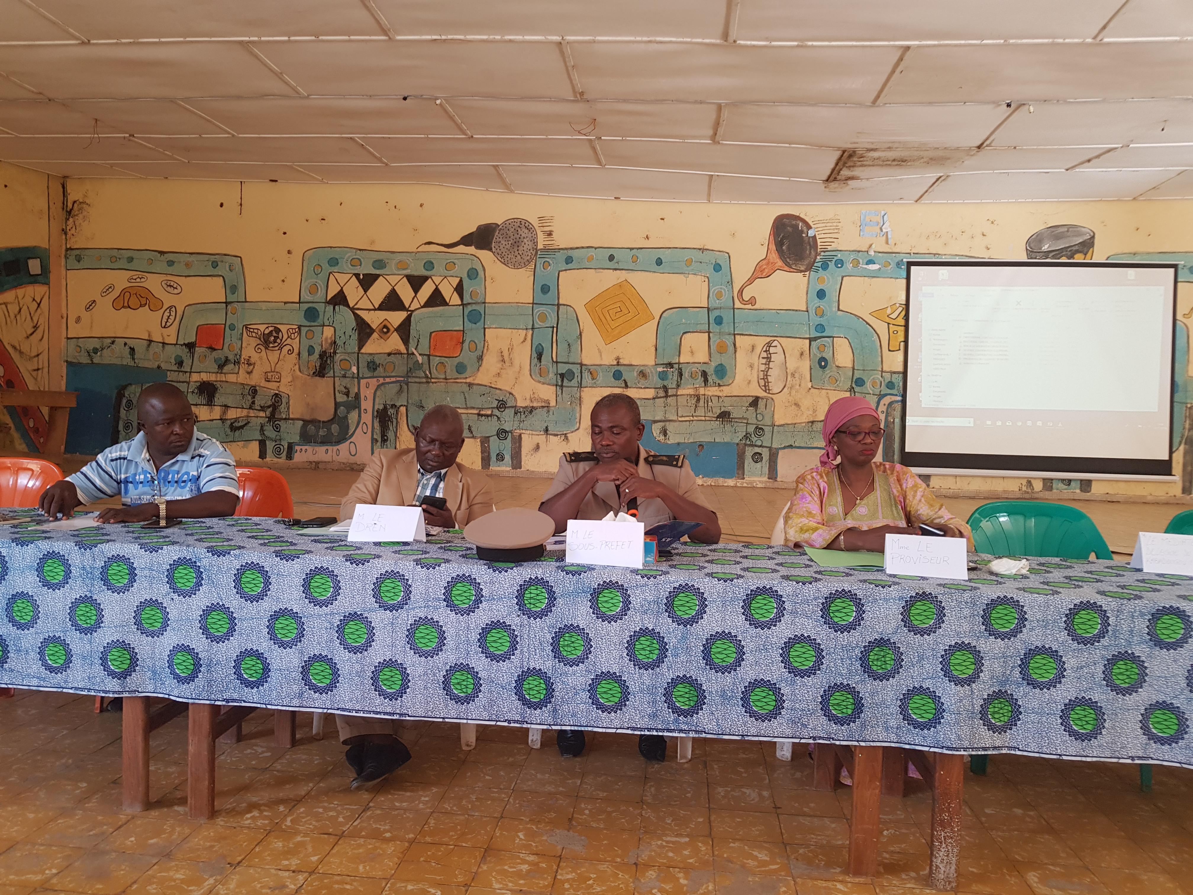 déficit enseignants,enseignement secondaire,Un déficit de 136 enseignants dans le secondaire dans la région du Kabadougou,kabadougou