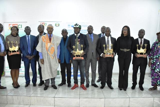 prix-cedeao-du-meilleur-journaliste-pour-lenvironnement-le-senegalais-ndiol-mactar-seck-laureat-de-ledition-2018