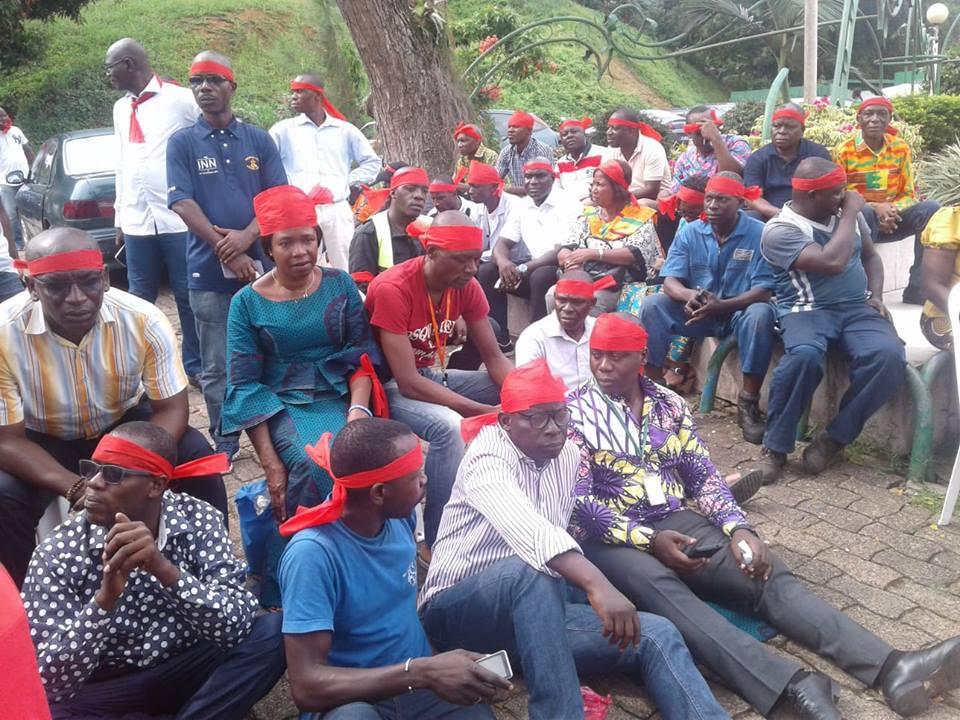 snpeci-fraternite-matin-licenciement-les-agents-font-un-sit-in-pour-interpeller-les-autorites