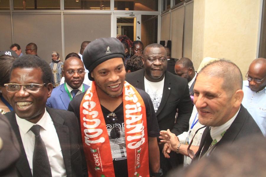 Football,Ronaldinho à Abidjan,Ronaldinho,Coopération Ivoire-brésilienne