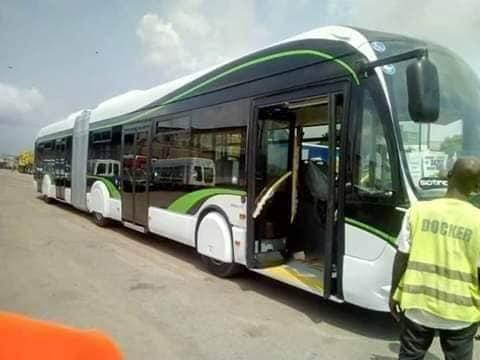 """Les bus articulés """"l'émergent""""  bientôt en circulation à Abidjan"""