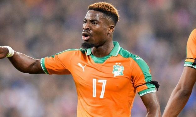 """Football,Serge Aurier trouve """"stupide"""" le retrait de la CAN 2021 à la Côte d'Ivoire"""