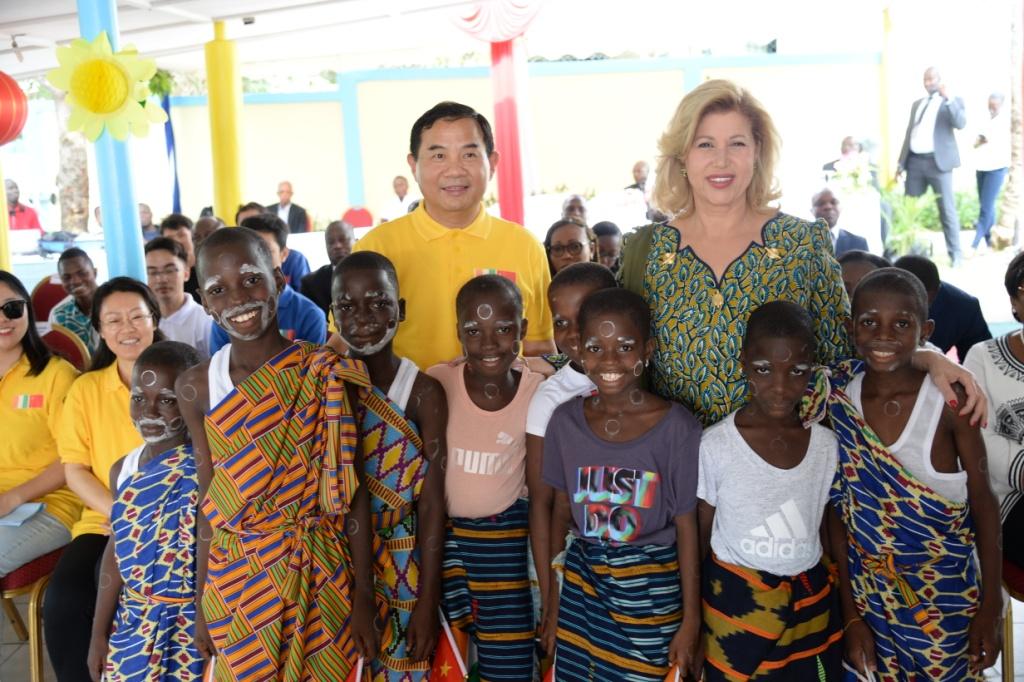 Coopération sino-ivoirienne,fondation Children Of Africa,Dominique Ouattara,pensionnaires,case  des enfants