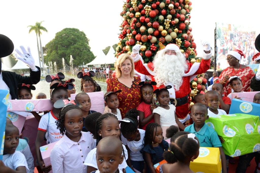 fetes-de-fin-dannee-dominique-ouattara-offre-un-noel-magic-a-3000-enfants