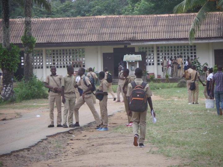 Secondaires publics,Arrêt des cours,Côte d'Ivoire