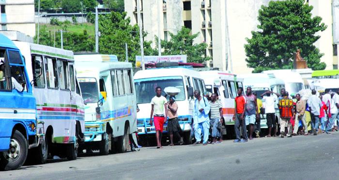 Côte d'Ivoire,transport urbain,Gbaka,apprentis,Abidjan