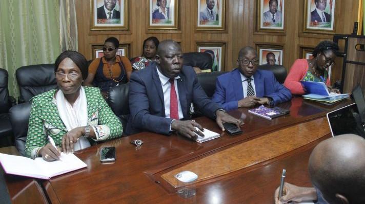 education-nationale-le-ministere-met-en-garde-les-enseignants-grevistes