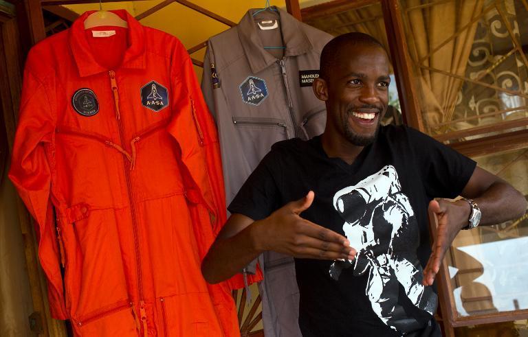 Mandla Maseko,Sud-Africain,premier noir africain dans l'espace