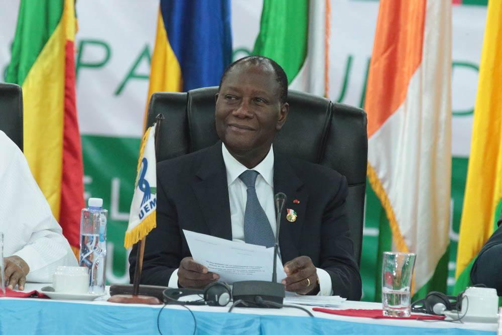 ouattara-appelle-les-etats-de-luemoa-a-mettre-un-accent-sur-la-mobilisation-des-ressources-interieures