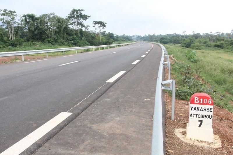 Inauguration route Adzopé-Yakassé Attobrou,Alassane Ouattara