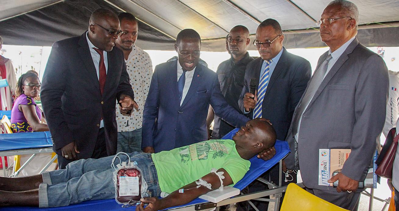 Campagne Challenge rhésus,Fondation Développement Santé,Poches de sang,Dr Dougrou,Aka Aouélé