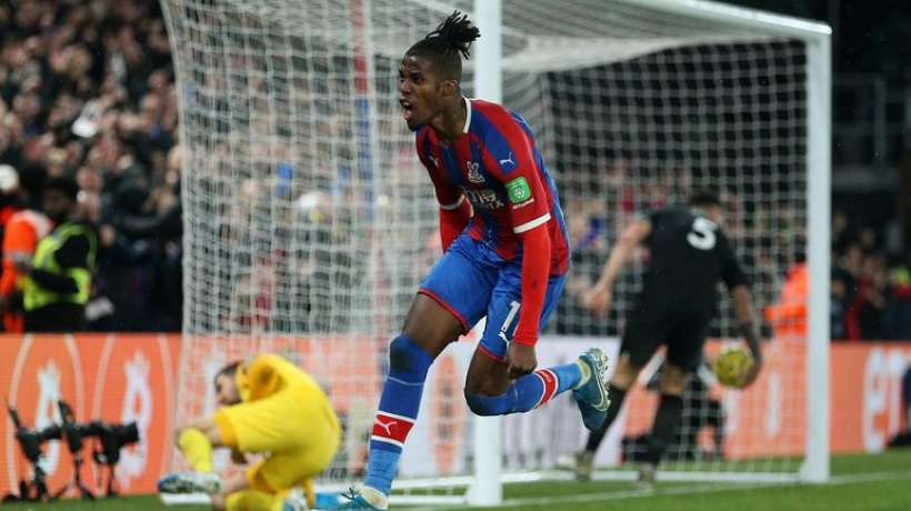 Footbell,Wilfried Zaha