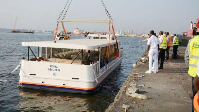 Coronavirus,bateau bus