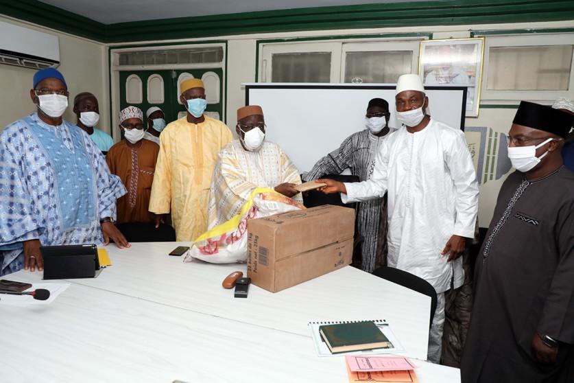 ramadan-2020-le-president-ouattara-offre-pres-de-700-tonnes-de-vivres-a-la-communaute-musulmane-nationale