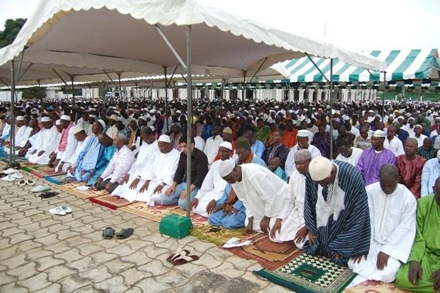 religion-le-cosim-et-le-codis-autorisent-les-prieres-collectives-dans-les-mosquees-de-linterieur-du-pays