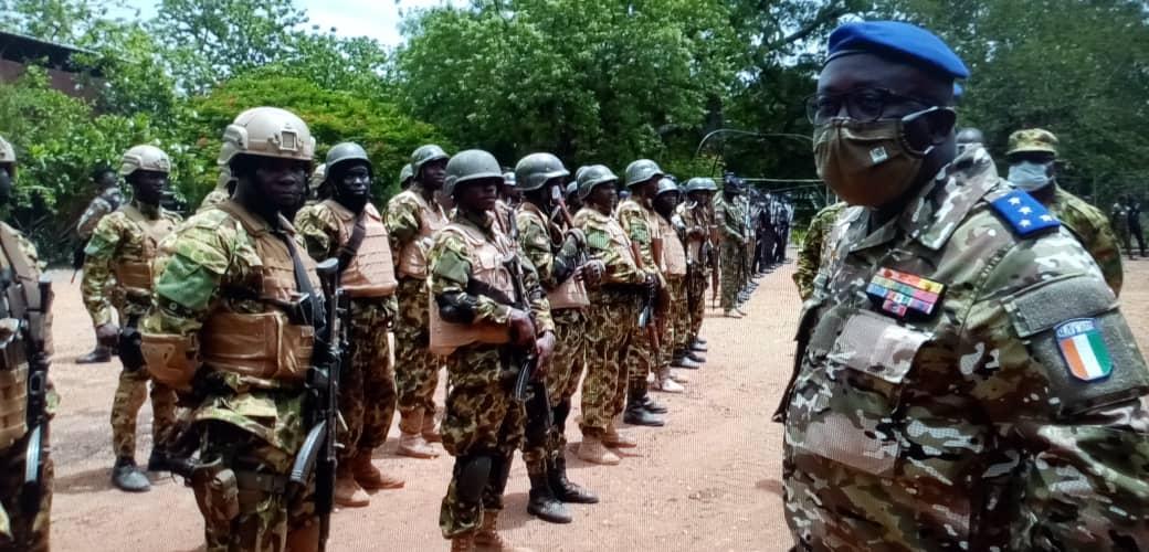 demantelement-dune-base-terroriste-a-la-frontiere-ivoirio-burkinabe-le-general-lassina-doumbia-felicite-les-troupes-ivoiriennes-et-burkinabes