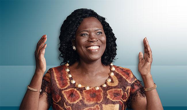 lutte-contre-le-covid-19-simone-gbagbo-exprime-sa-reconnaissance-au-corps-medical-et-fait-des-dons