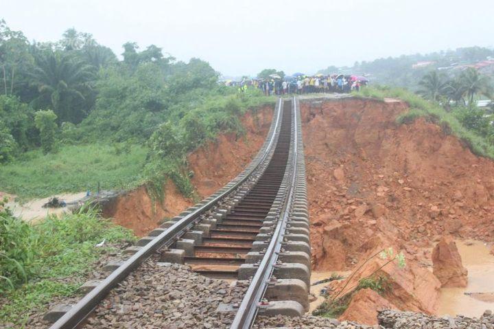 apres-leboulement-de-terrain-a-anyama-la-sitarail-sengage-a-restaurer-les-50m-de-voies-endommagees