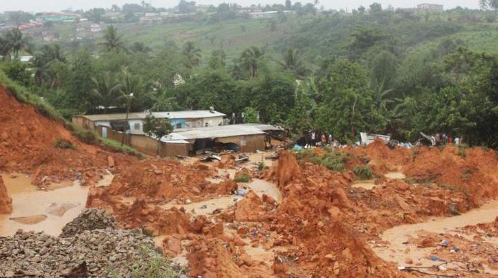 éboulement de terrain,Anyama,quartier derrière rails