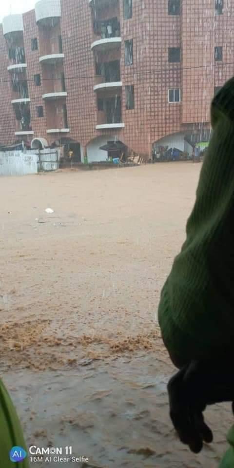 Pluies diluviennes,  Abidan,