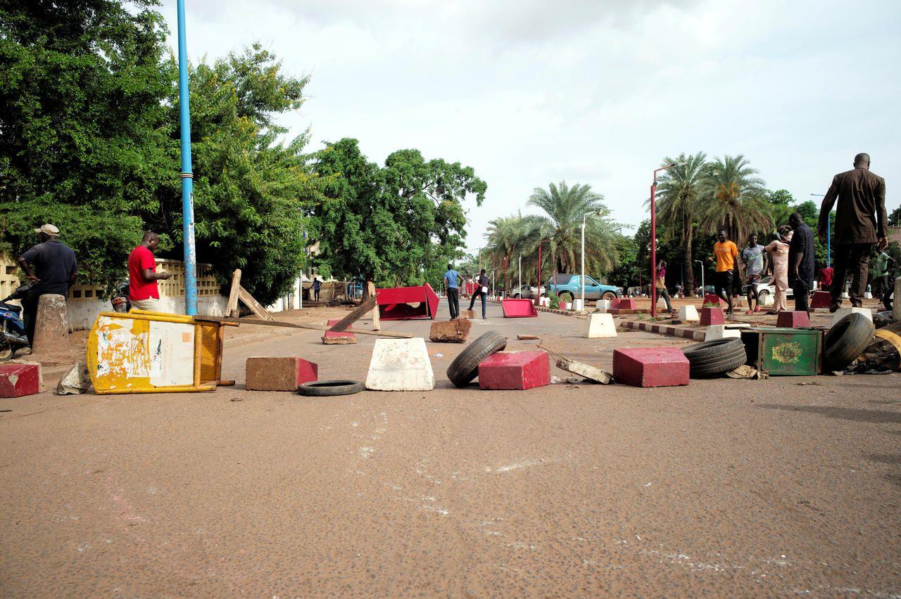 mali-a-bamako-une-manifestation-contre-le-president-degenere-au-moins-un-mort