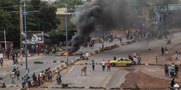 une-manifestation-contre-ibrahim-boubacar-keita-degenere-au-mali