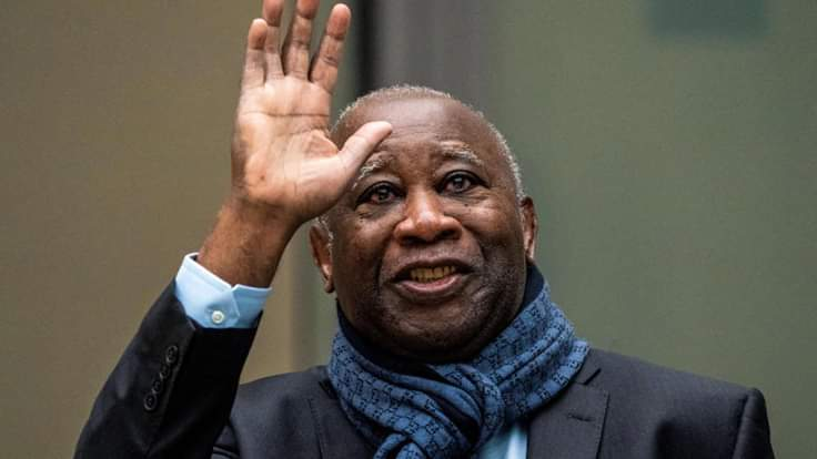 Laurent Gbagbo,Passeport,Gouvernement
