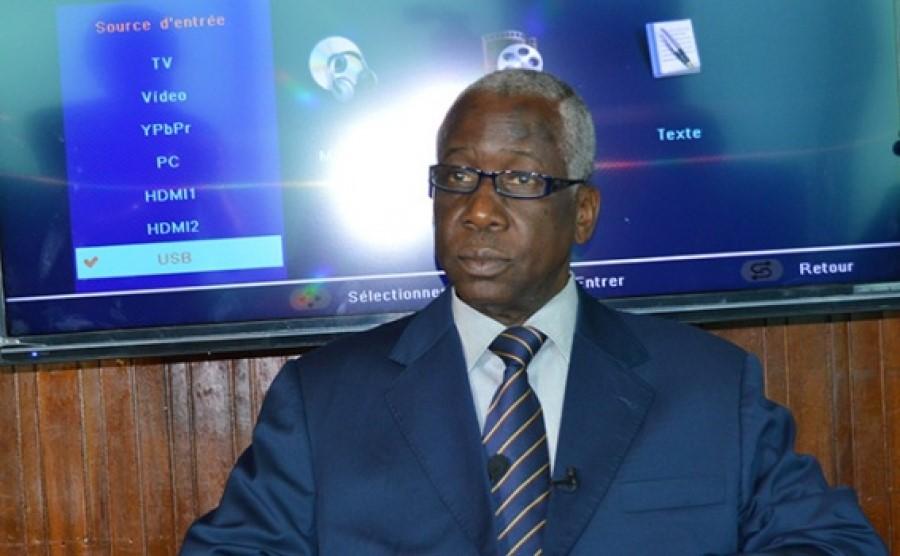 3è mandat,Alassane Ouattara,Pr Martin Bléou,Constitution