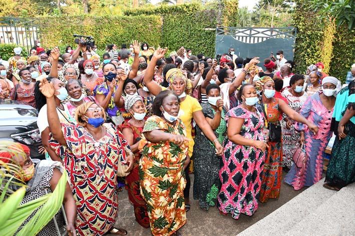 les-femmes-de-lopposition-ivoirienne-disent-non-au-troisieme-mandat-de-ouattara