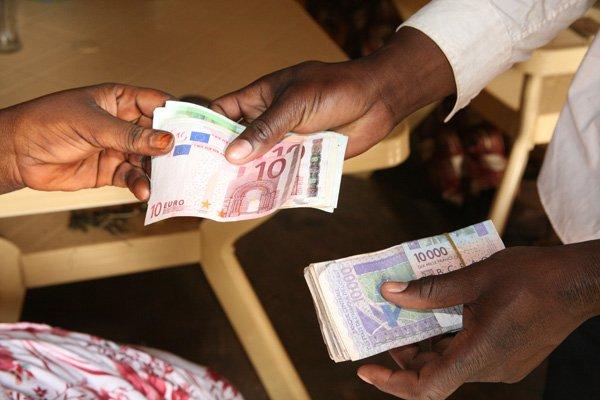 Mali,suspension financière