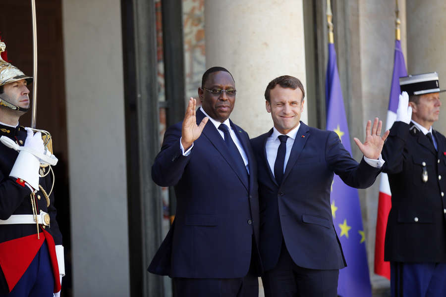 le-president-senegalais-recu-par-emmanuel-macron-apres-le-putsch-au-mali