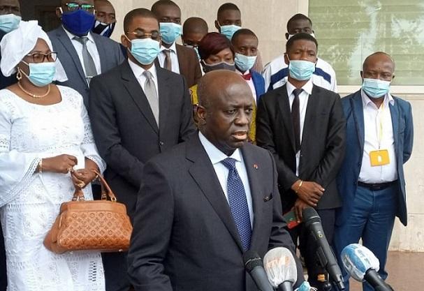 presidentielle-2020-amon-tanoh-a-depose-ses-dossiers-ce-samedi