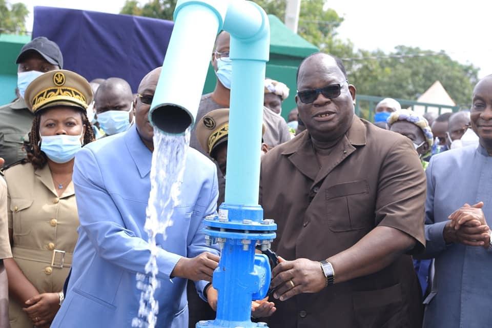eau-potable-pour-tous-le-ministre-laurent-tchagba-inaugure-plusieurs-chateaux-deau-dans-le-moronou