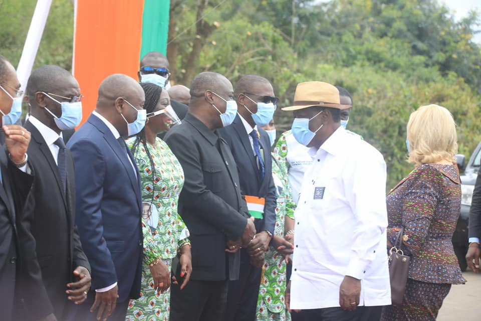 education-nationale-ouattara-reconnait-publiquement-le-travail-abattu-par-kandia-camara