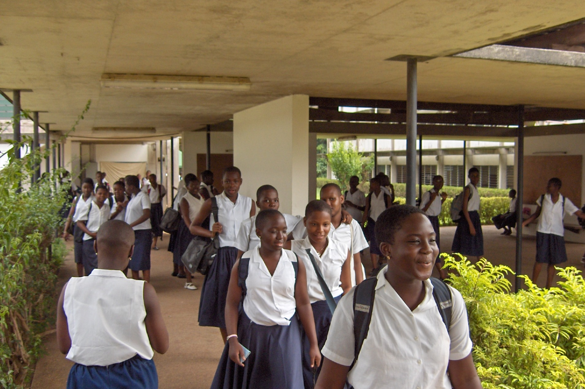rentree-scolaire-2020-2021-reprise-des-cours-timide-sans-respect-des-mesures-barrieres