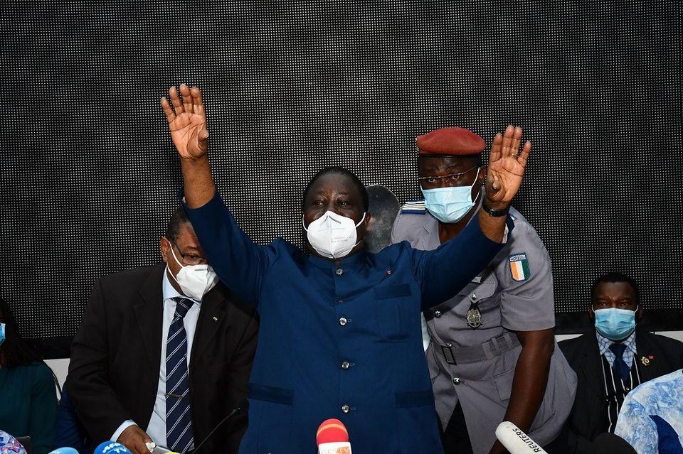 3e-mandat-dalassane-ouattara-bedie-appelle-a-la-quotdesobeissance-civilequot-face-a-la-quotforfaiturequot