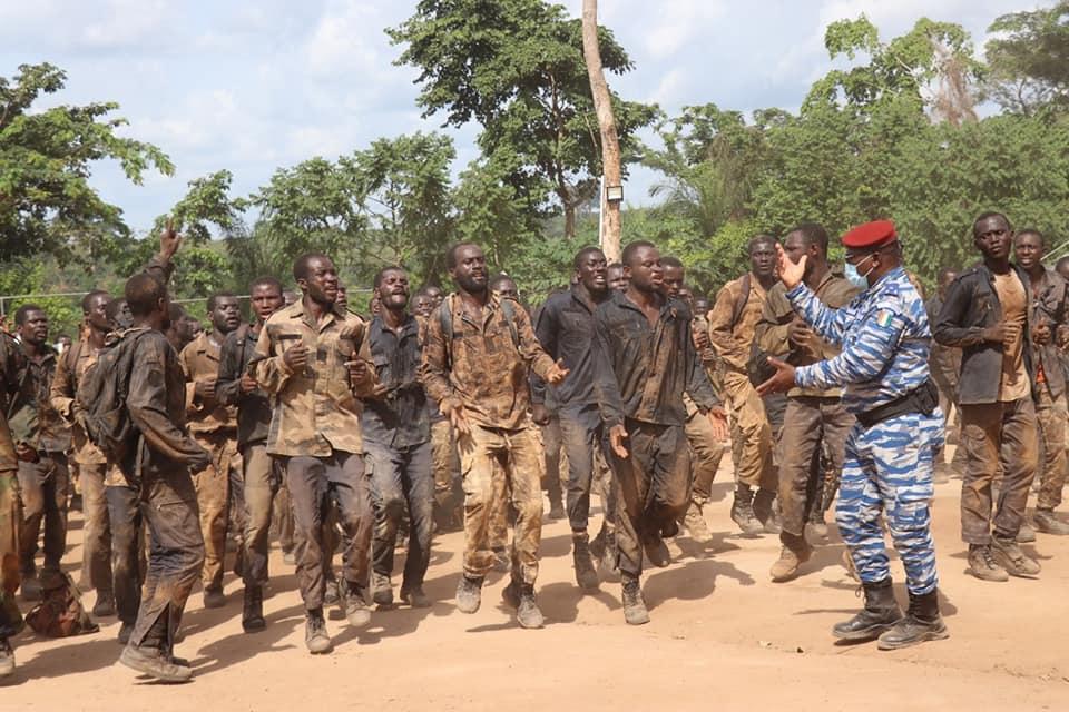 gendarmerie-nationale-le-general-apalo-toure-en-visite-sur-les-sites-de-formation