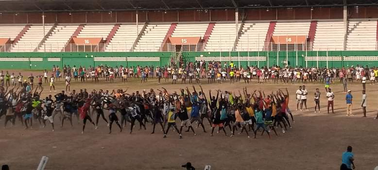 Stade d'Ebimpé,Georges Momboye,Fresque,Alassane ouattara