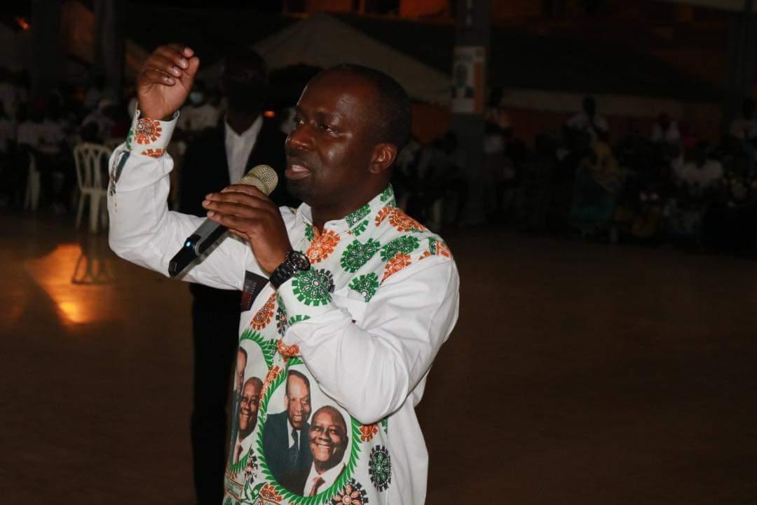 presidentielle-2020-grand-bassam-demarre-sa-campagne-en-fanfare-par-moossou