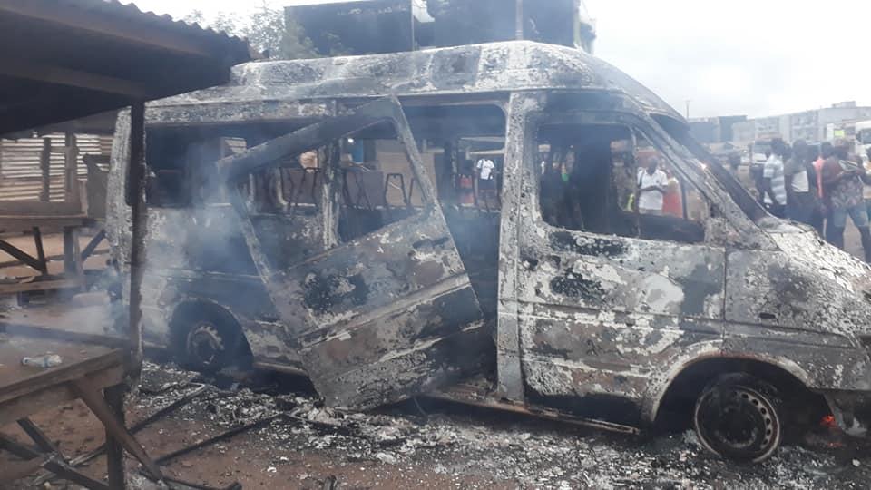 situation-socio-politique-plusieurs-vehicules-incendies-ce-mardi-matin-a-yopougon
