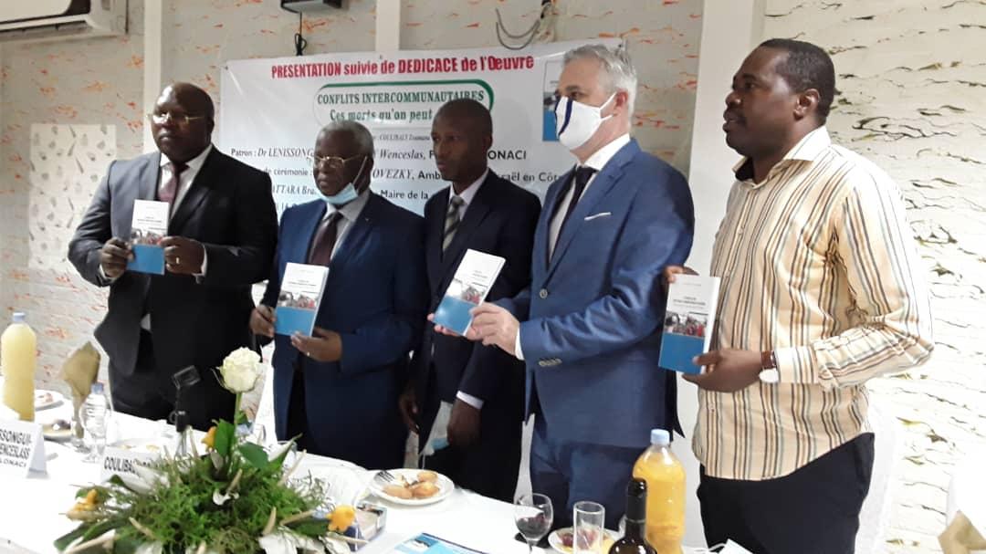 litterature-dedicace-zoumana-coulibaly-livre-les-secrets-de-la-paix