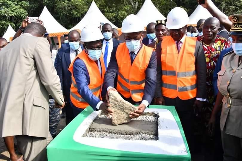 Ministère de la santé publique et de l'hygiène Publique,Aka  Aouéle,Crash d'avion