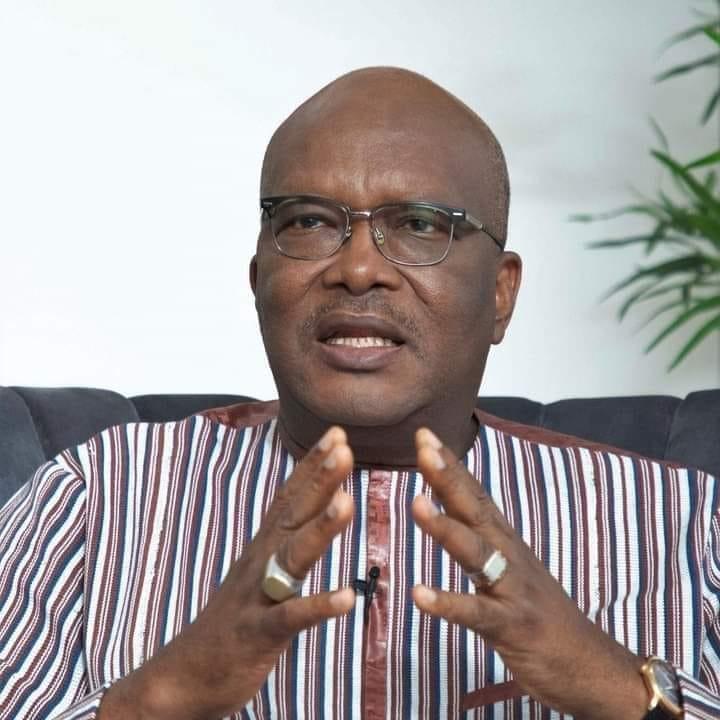 presidentielle-au-burkina-faso-declare-vainqueur-au-premier-tour-les-premiers-mots-de-kabore-au-peuple-burkinabe
