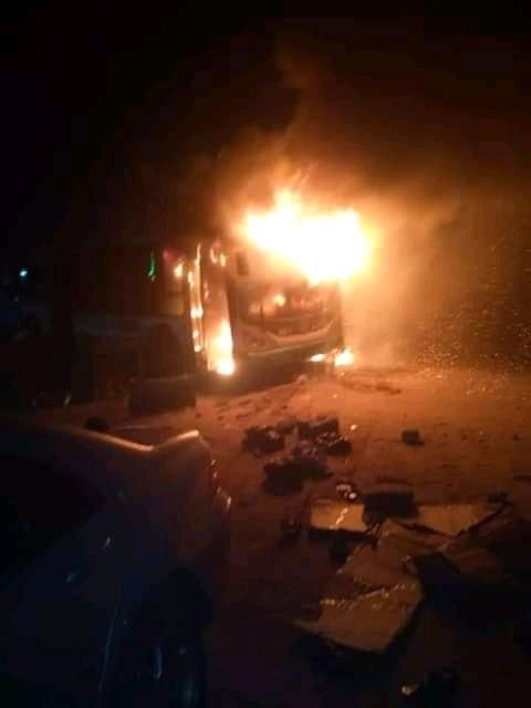plusieurs-vehicules-incendies-ce-lundi-soir-a-yopougon-niangon-nord