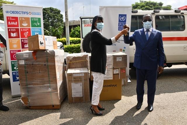 lutte-contre-le-covid-19-le-pnud-offre-des-materiels-medicaux-au-gouvernement-ivoirien