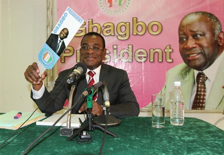 remise-de-passeport-de-gbagbo-le-fpi-se-rejouit-et-espere-larrivee-prochaine-de-laurent-gbagbo-dans-son-pays