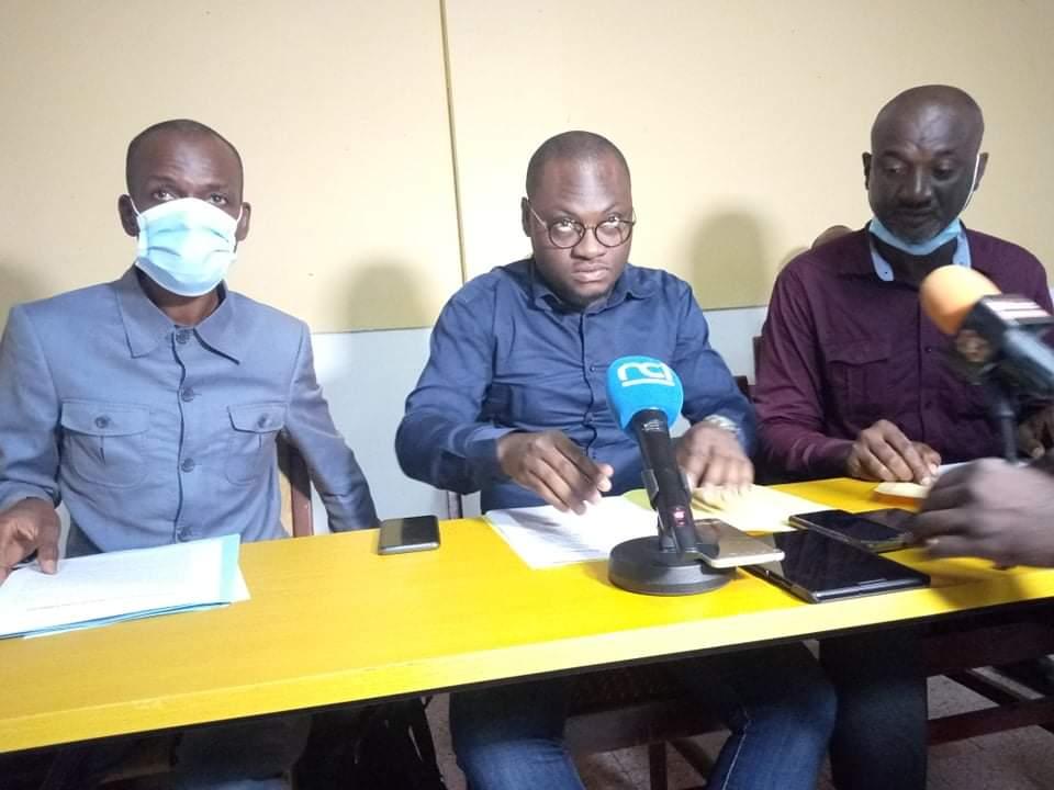 des-agents-de-ministere-de-lenseignement-superieur-en-colere-contre-le-ministre-adama-diawara-les-raisons