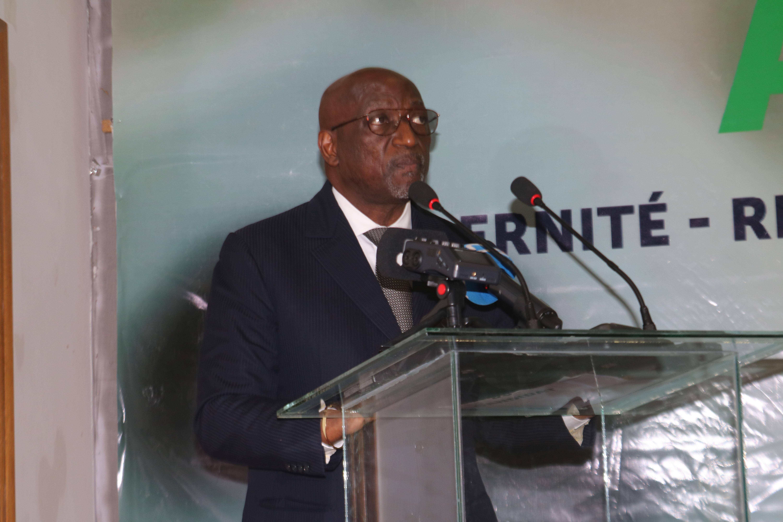 candidature-de-jacques-anouma-a-la-presidence-de-la-caf-le-president-alassane-ouattara-a-pris-les-choses-en-main