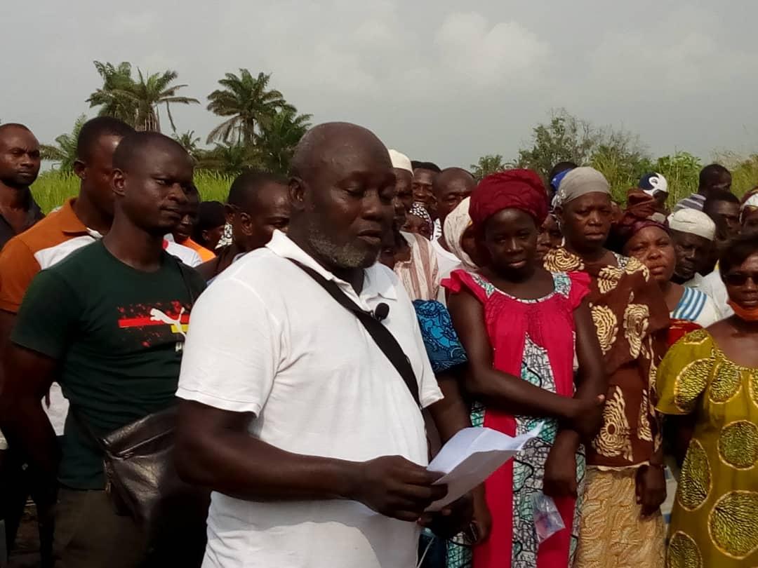 recasement-au-village-de-modeste-les-populations-expriment-leur-reconnaissance-a-nanan-jonas-konney