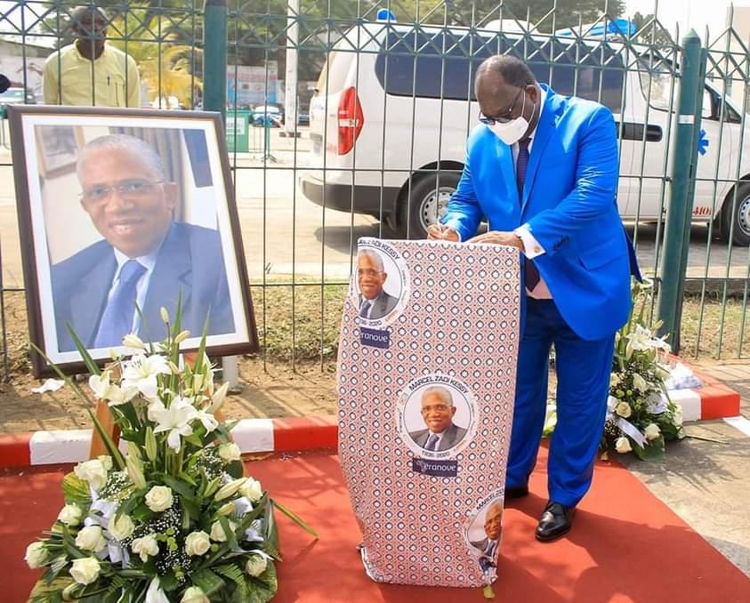 hommage-a-marcel-zadi-kessy-le-ministre-laurent-tchagba-sincline-devant-la-memoire-dun-homme-multidimensionnel